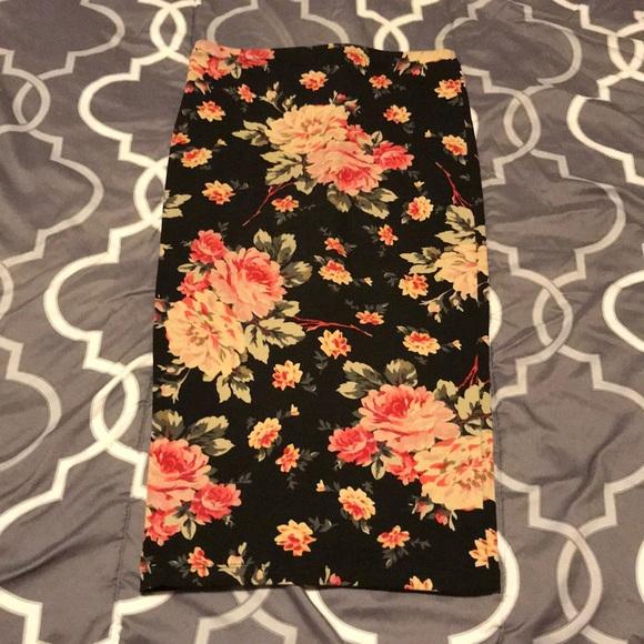 Express Dresses & Skirts - Floral Express Skirt